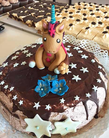 Vegane Einhorn Torte